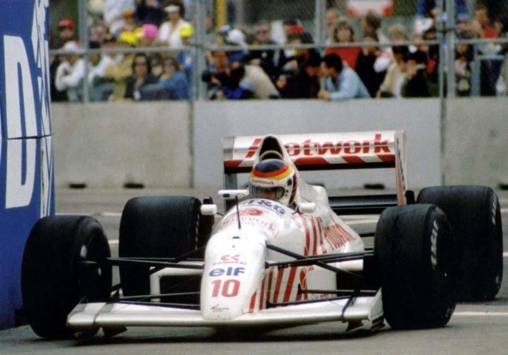1990-Arrows_A11-Ford_Cosworth_V8-Estados_Unidos-1.jpg