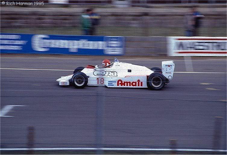 Williams leoni 01 1985.jpg