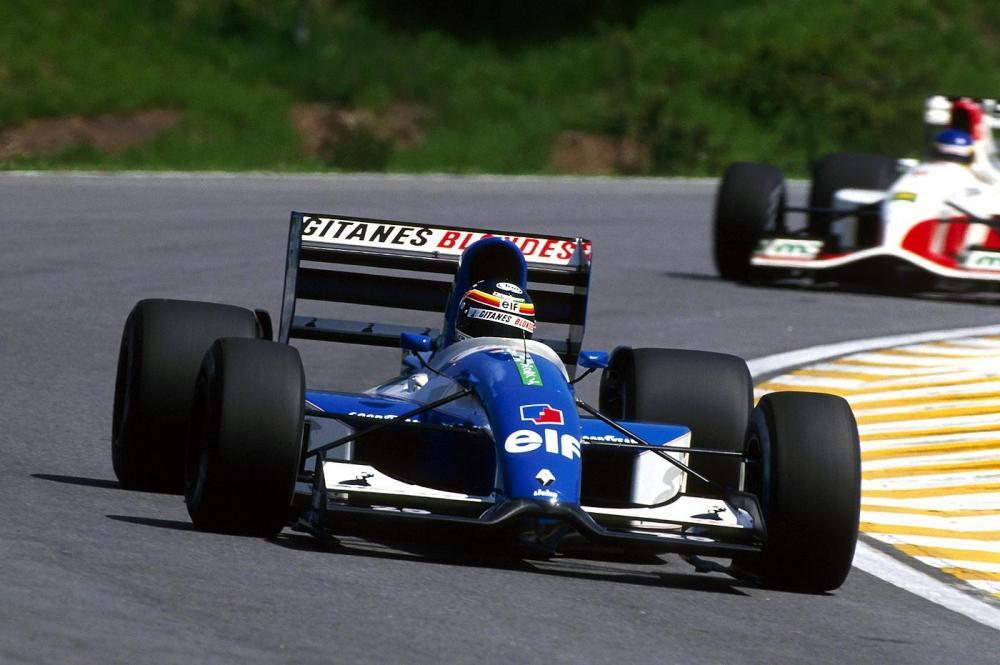 Ligier JS37 4.jpeg