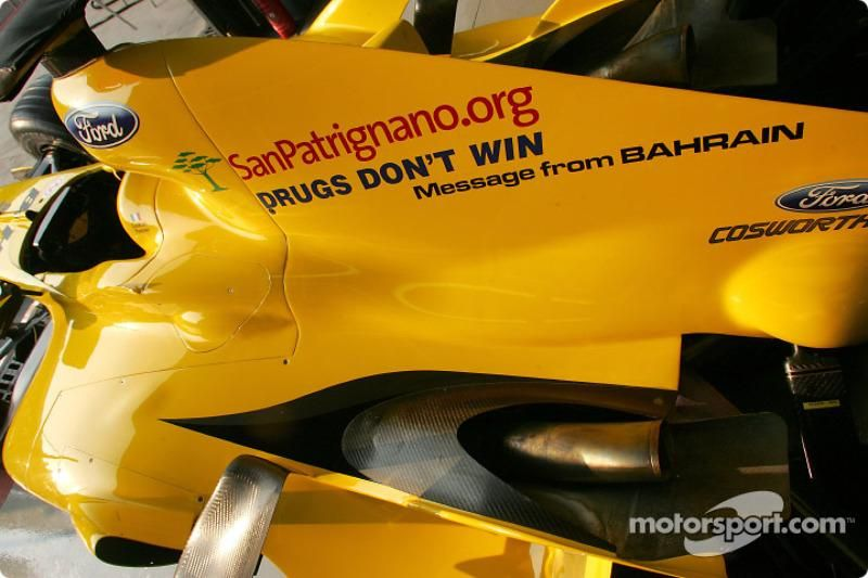 f1-italian-gp-2004-message-from-bahrain-for-the-italian-gp-on-the-jordan-drugs-don-t-win.jpg