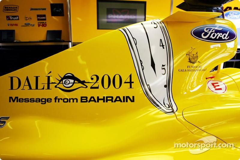 f1-spanish-gp-2004-the-message-from-bahrain-on-the-jordan-is-a-tribute-to-spanish-artist-s.jpg